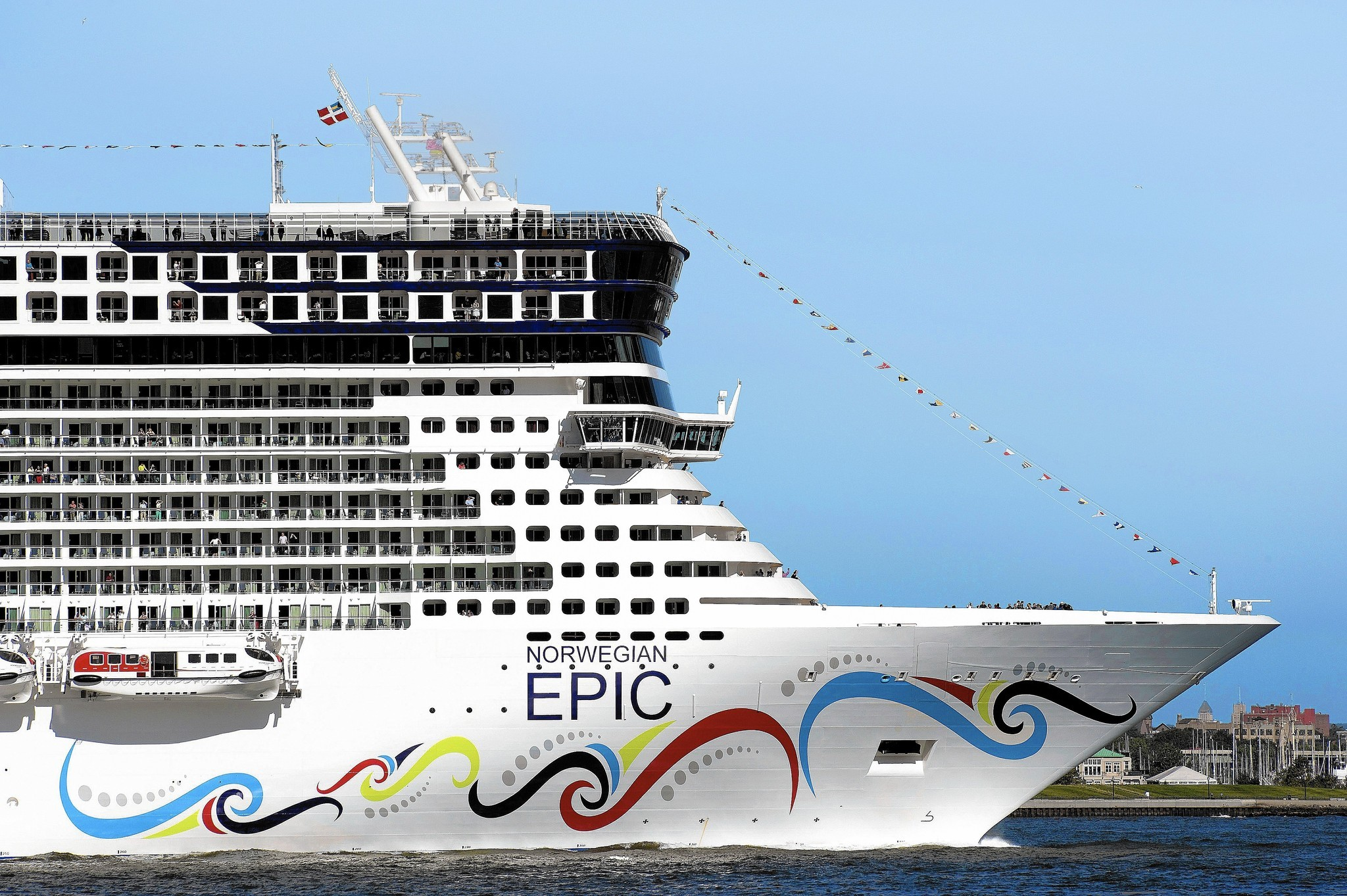 os-norwegian-epic-port-canaveral-20150803